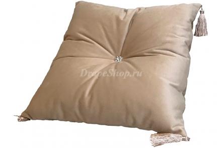 Декоративная подушка Velvet с кисточками