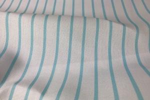 Светлая портьерная ткань с голубыми полосками