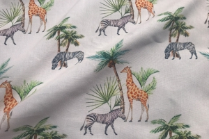 Ткань с зебрами и жирафами