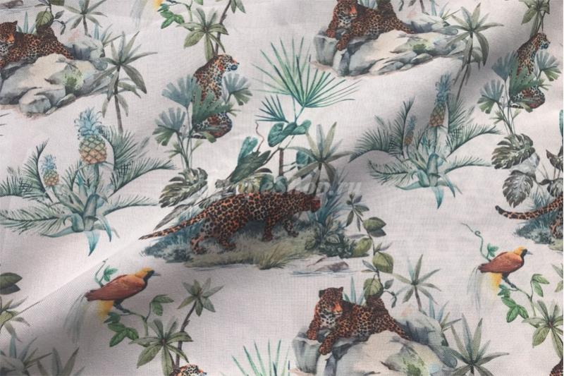 Ткань с леопардами
