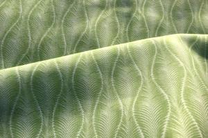 Ткань с зеленым растительным орнаментом