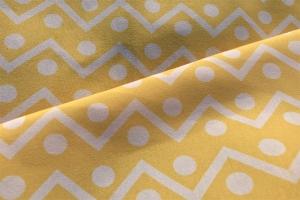 Ткань с желтым геометрическим орнаментом
